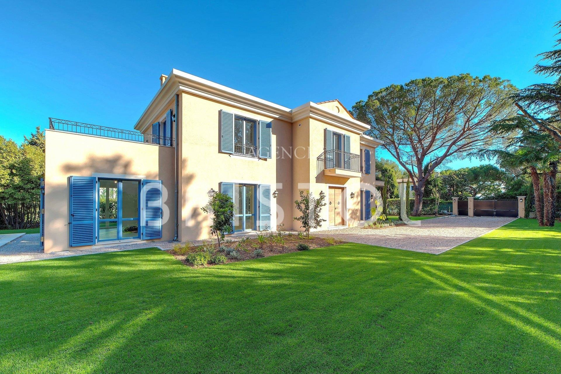 Beautiful brand new house in Cap Ferrat in a peaceful area