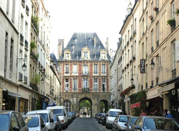Paris 4e - A 100m de la place des Vosges