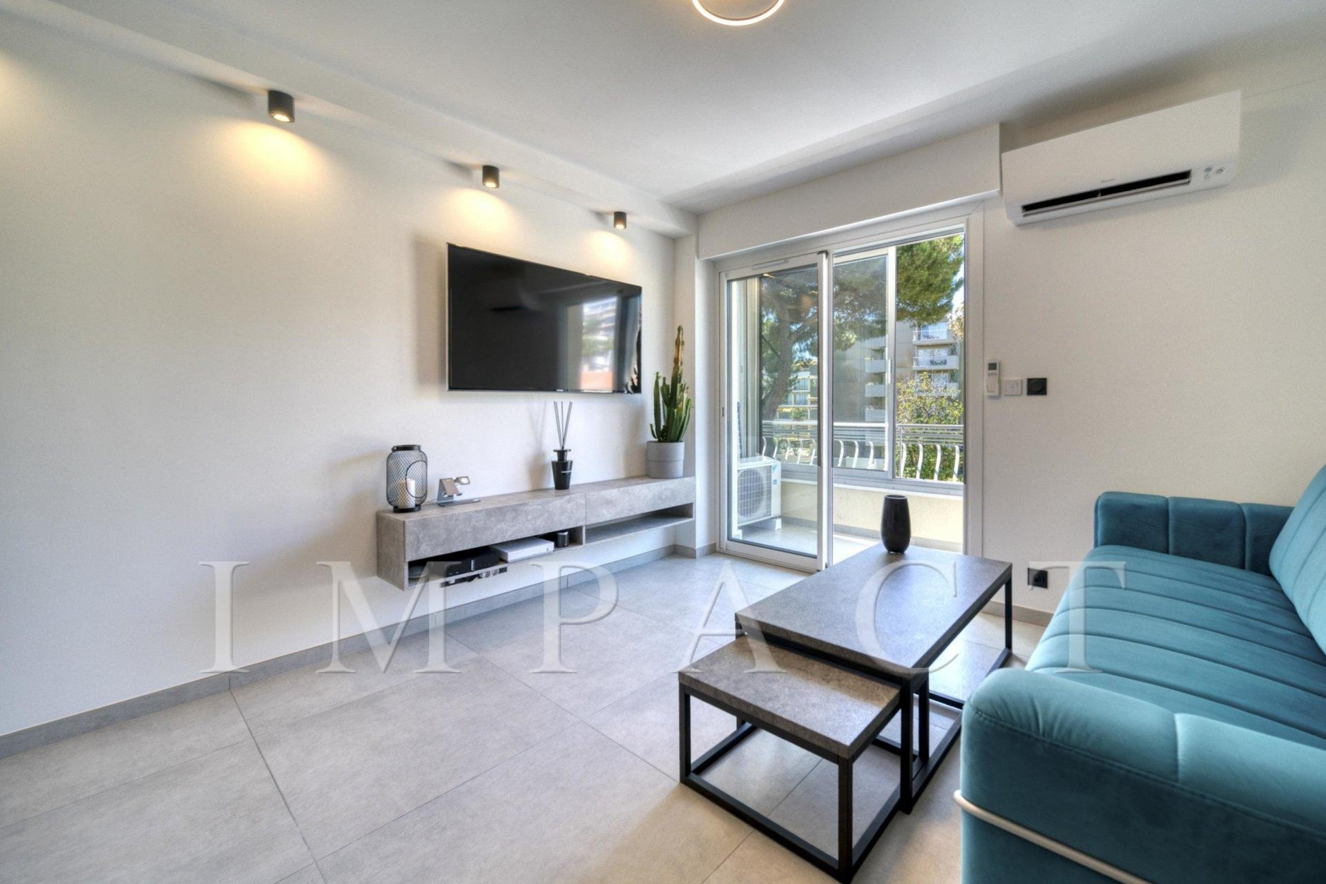 Fully Renovated Apartment - Cannes Sea View