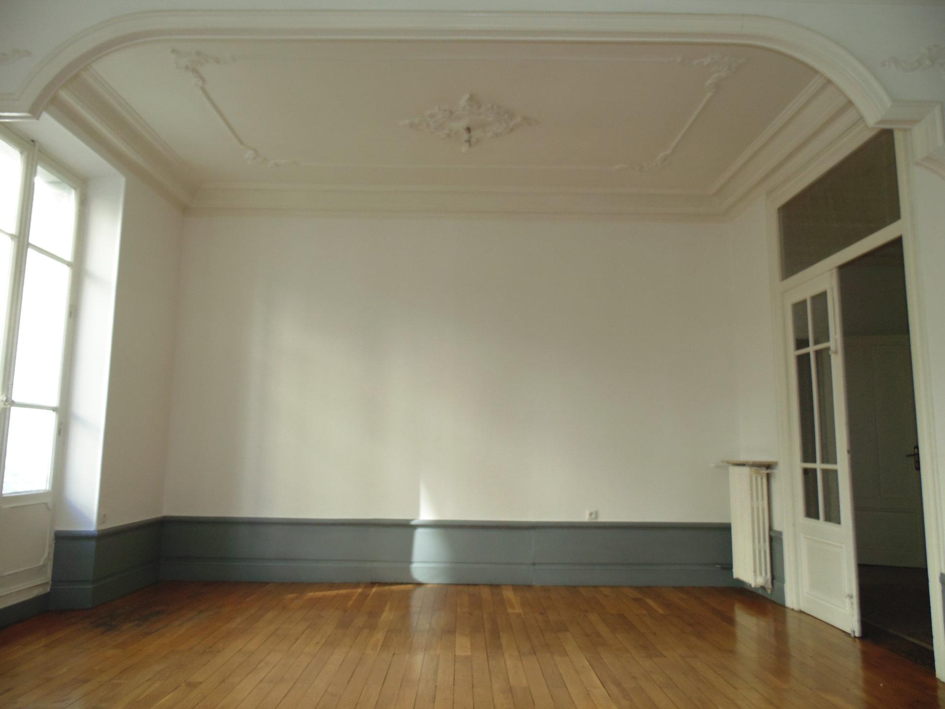 T3  GRENOBLE  Centre, proche Victor Hugo