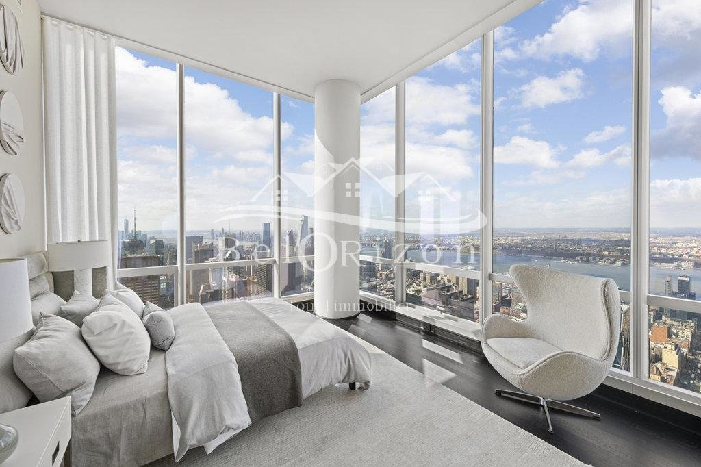 Luxury 7 room apartment for sale in New York, NY