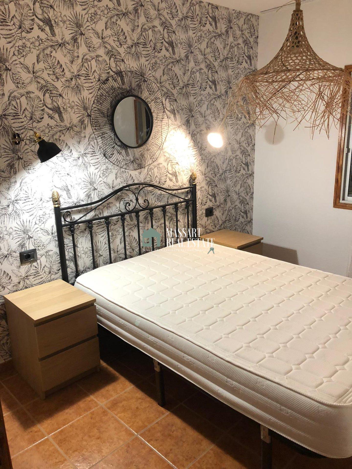 Appartement récemment rénové, meublé et caractérisé par son emplacement stratégique à Los Cristianos, dans le complexe résidentiel Los Angeles.