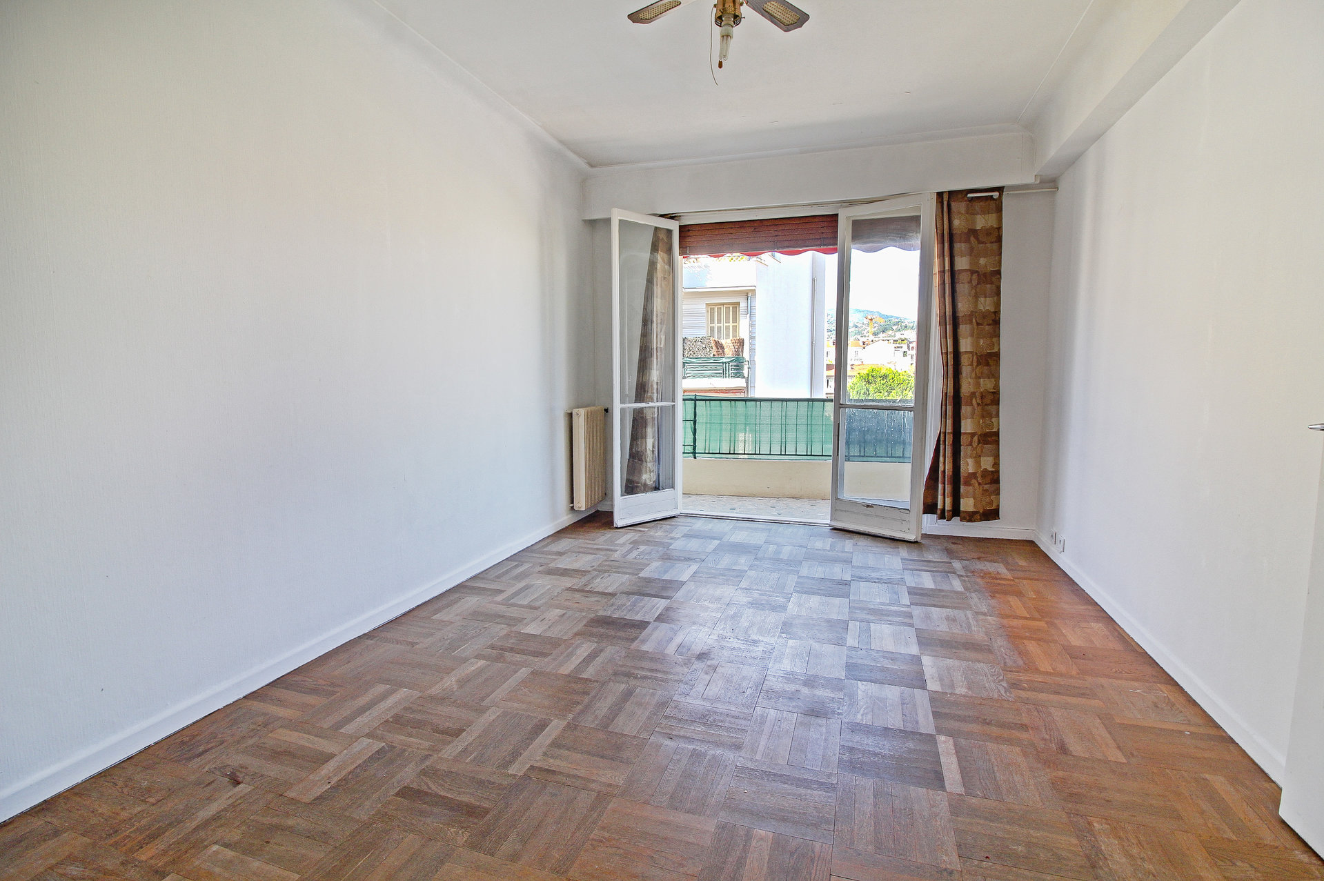 LIBERATION - Grand F1 - Terrasse - Avant dernier étage - Vue dégagée - 145.000 €