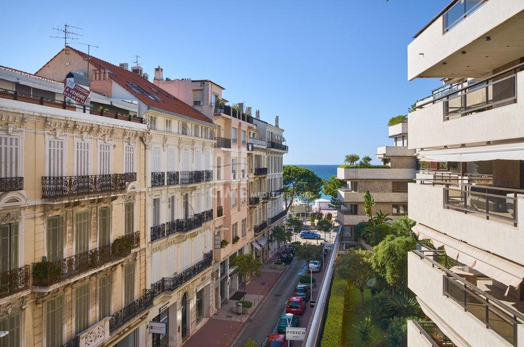 The Gray D'Albon - Luxury apartment with sea view