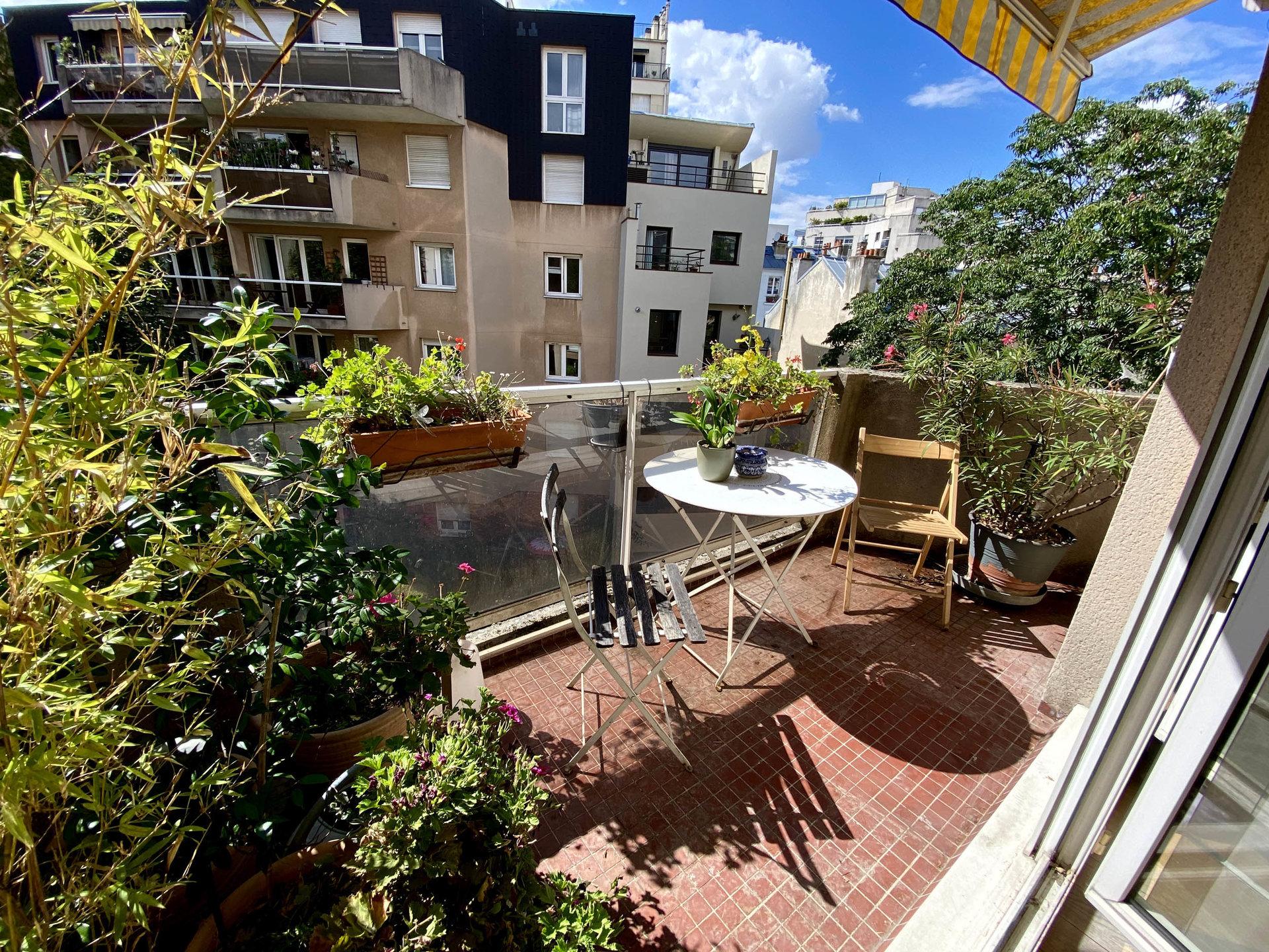 2 pièces balcon Buttes Chaumont