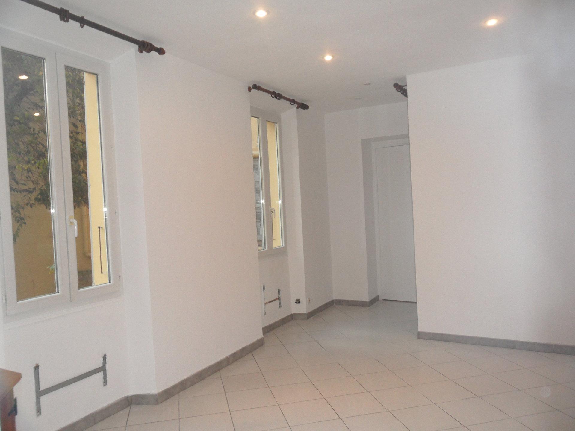 2 PIECES 34,44 m²