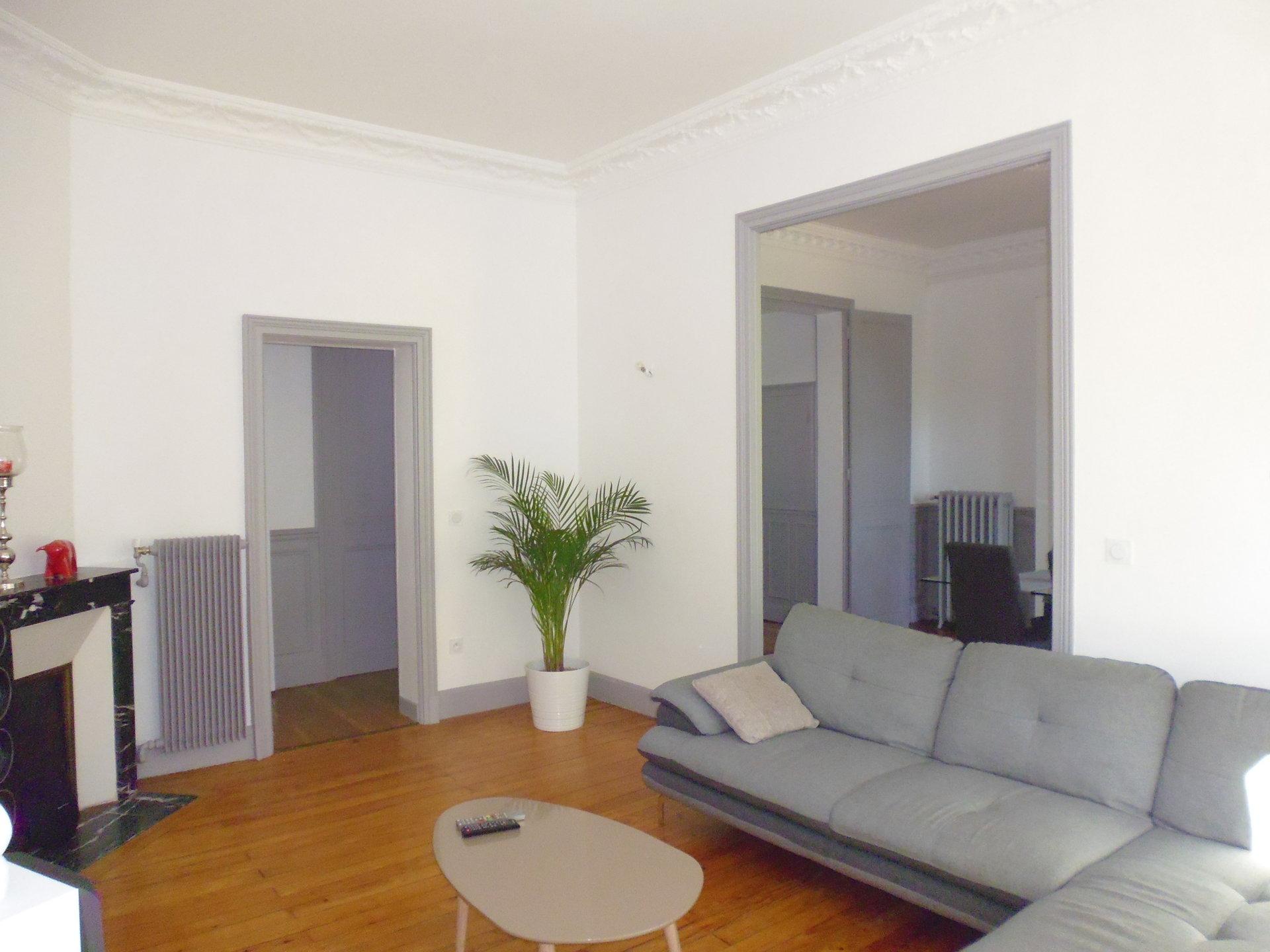 6049LRA- appartementT4 Face aux PARCS - VICHY