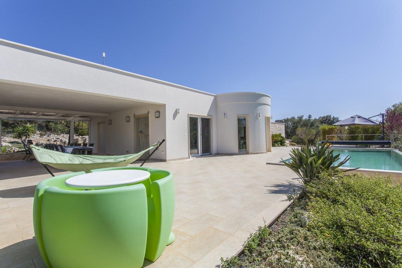 Villa in vendita a SanVito dei Normanni, 3 camere, piscina e giardino
