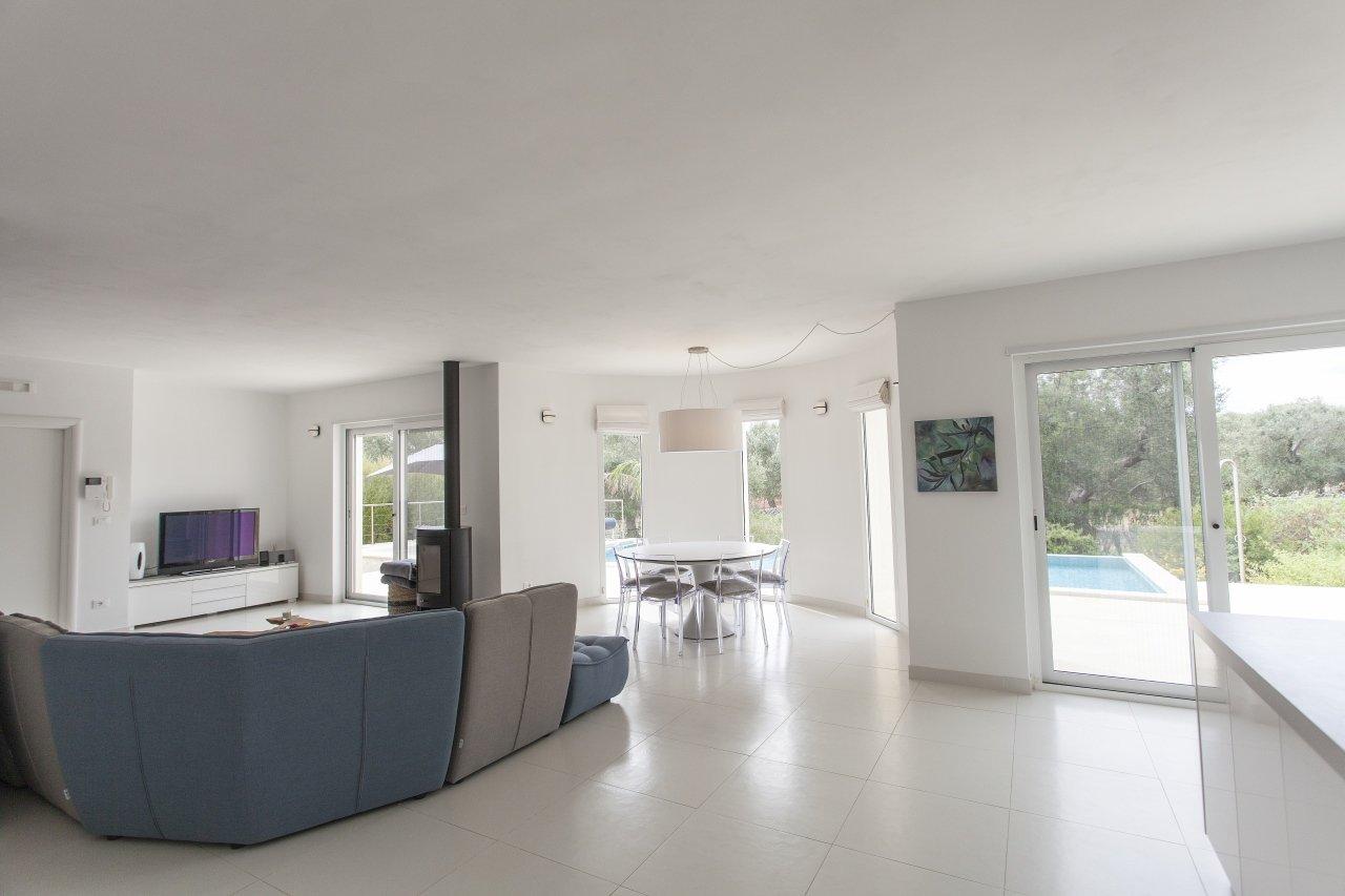 Villa moderne, 3 chambres avec piscine privée et jardin
