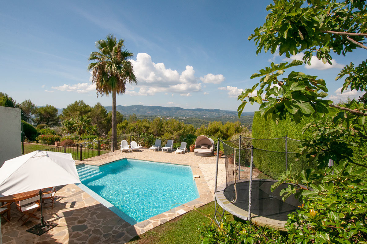 For sale , 5 bed villa in private gated domaine - Castellaras