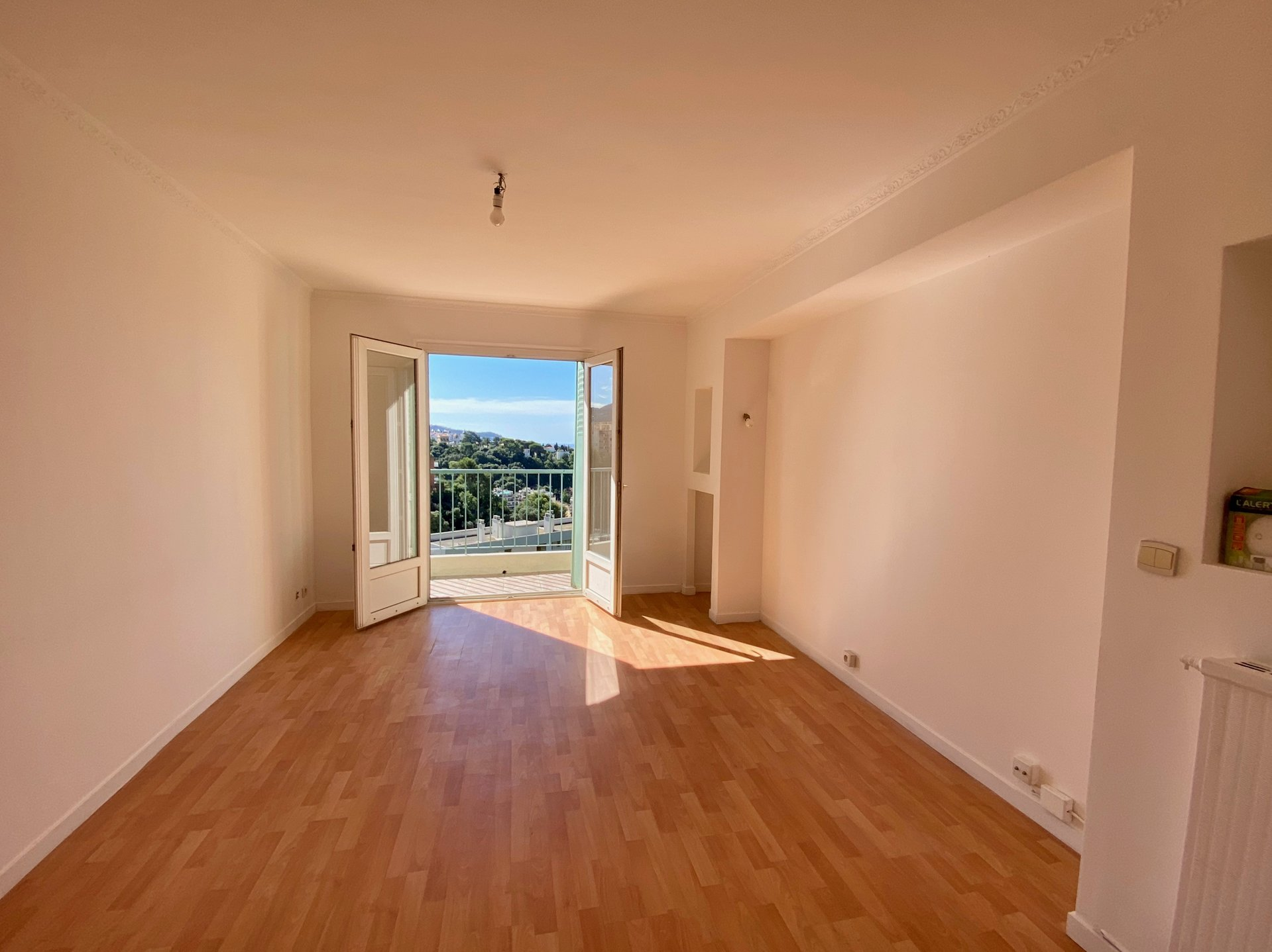3 Rooms- Avenue Henry Dunant
