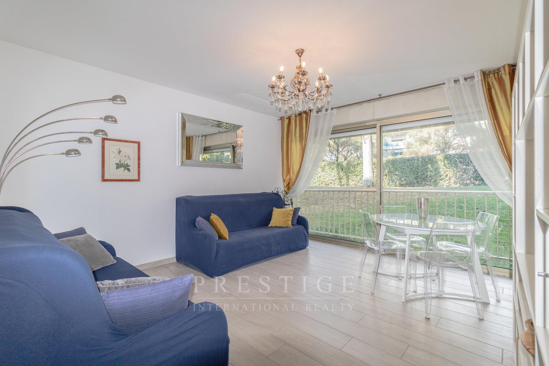 Juan les pins, 1 bedroom flat with cellar , tennis & pool