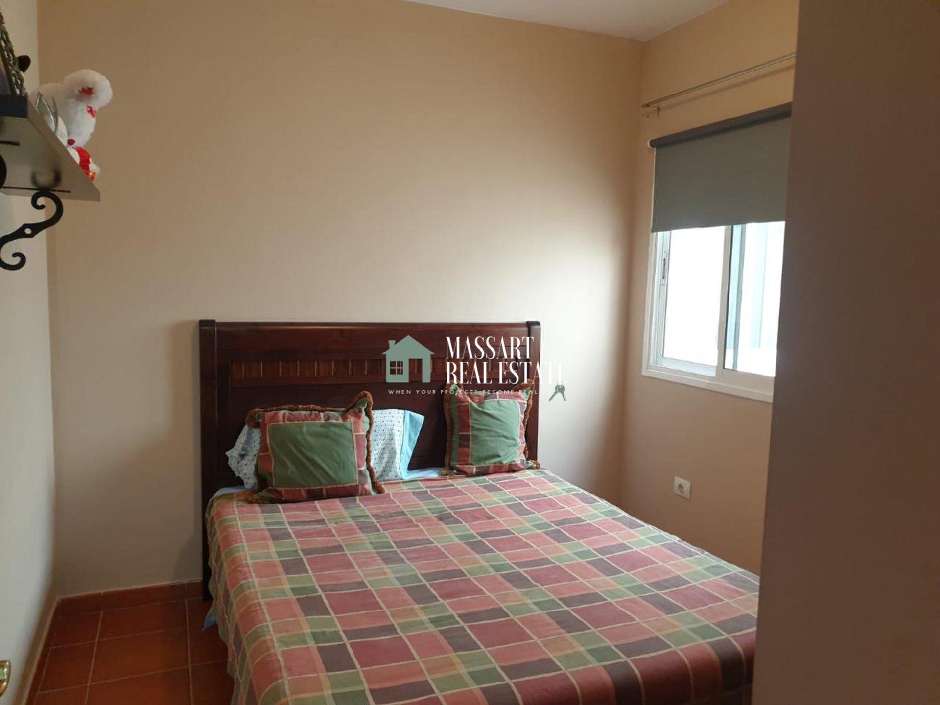 Appartamento di 90 m2 completamente arredato situato in una zona tranquilla di Granadilla.