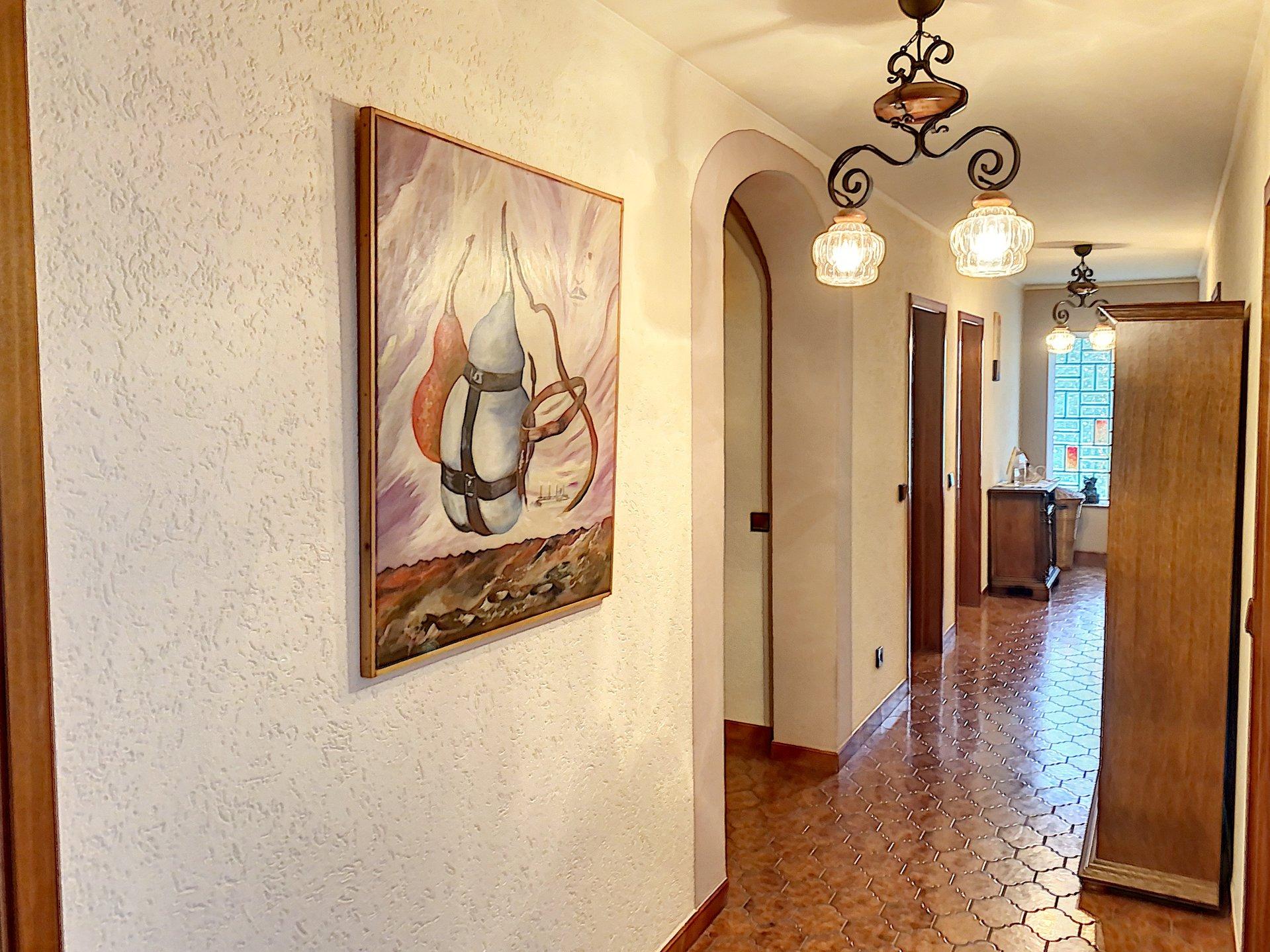 Differdange Oberkorn - Magnifique maison libre de quatre côtés d´une surface habitable d'environ 300m2