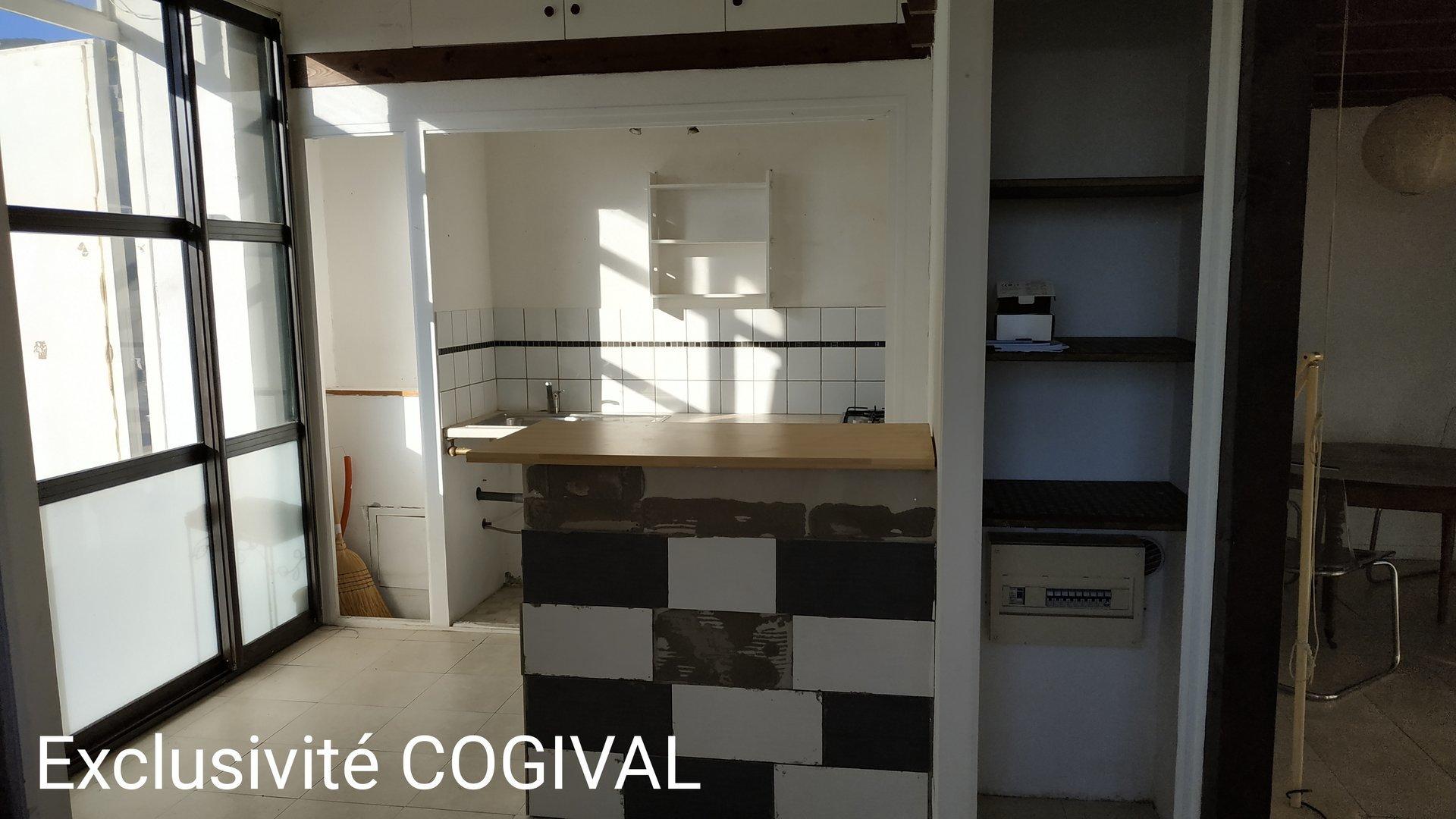 Produit atypique: studio loft de 35m² vue mer !