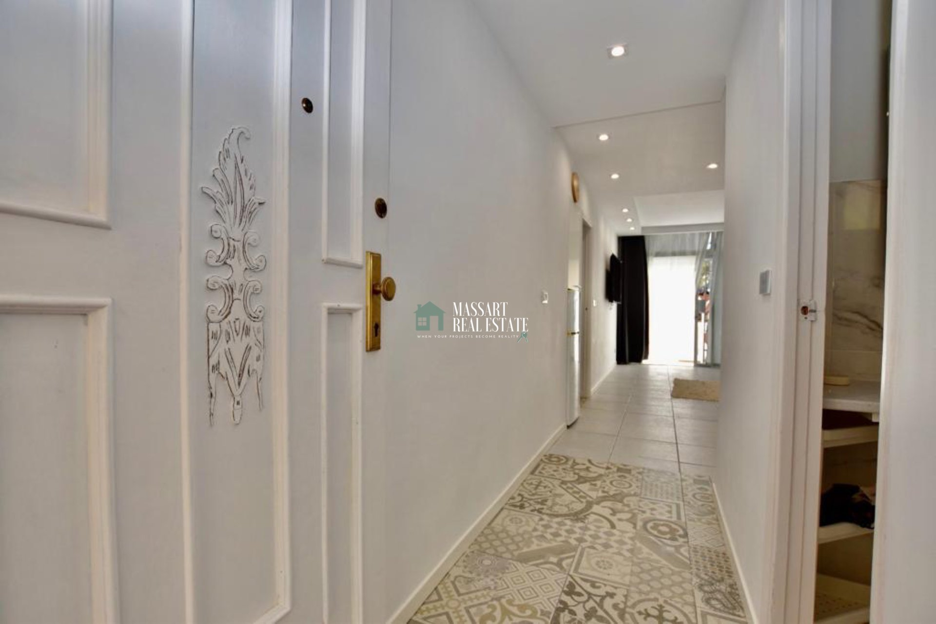 Renovated apartment of 70 m2 fully furnished with brand new furniture for you, in the residential complex El Chaparral (Costa del Silencio) ... With vacation license!