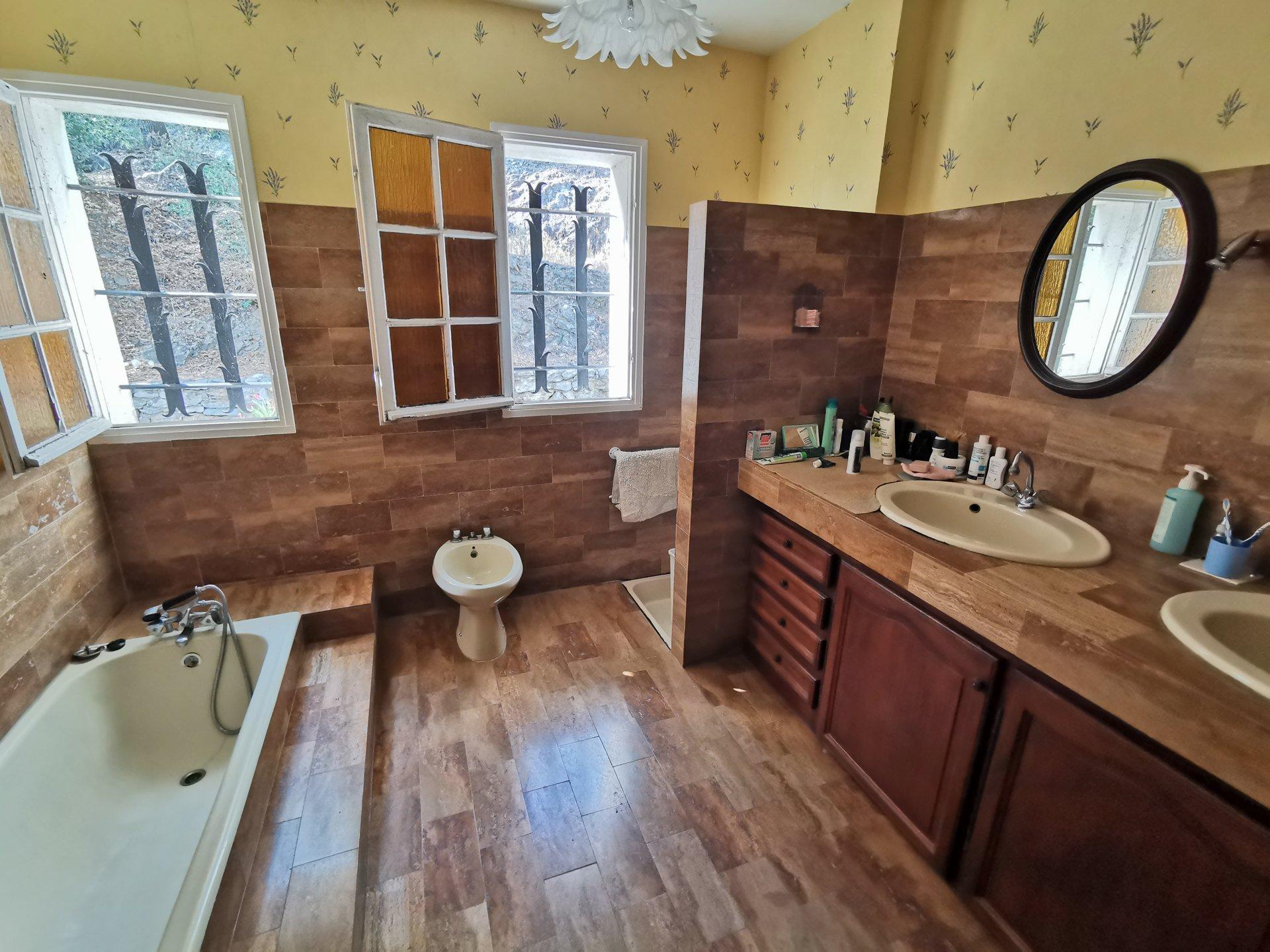 4 bedroom villa on big plot with terrific views