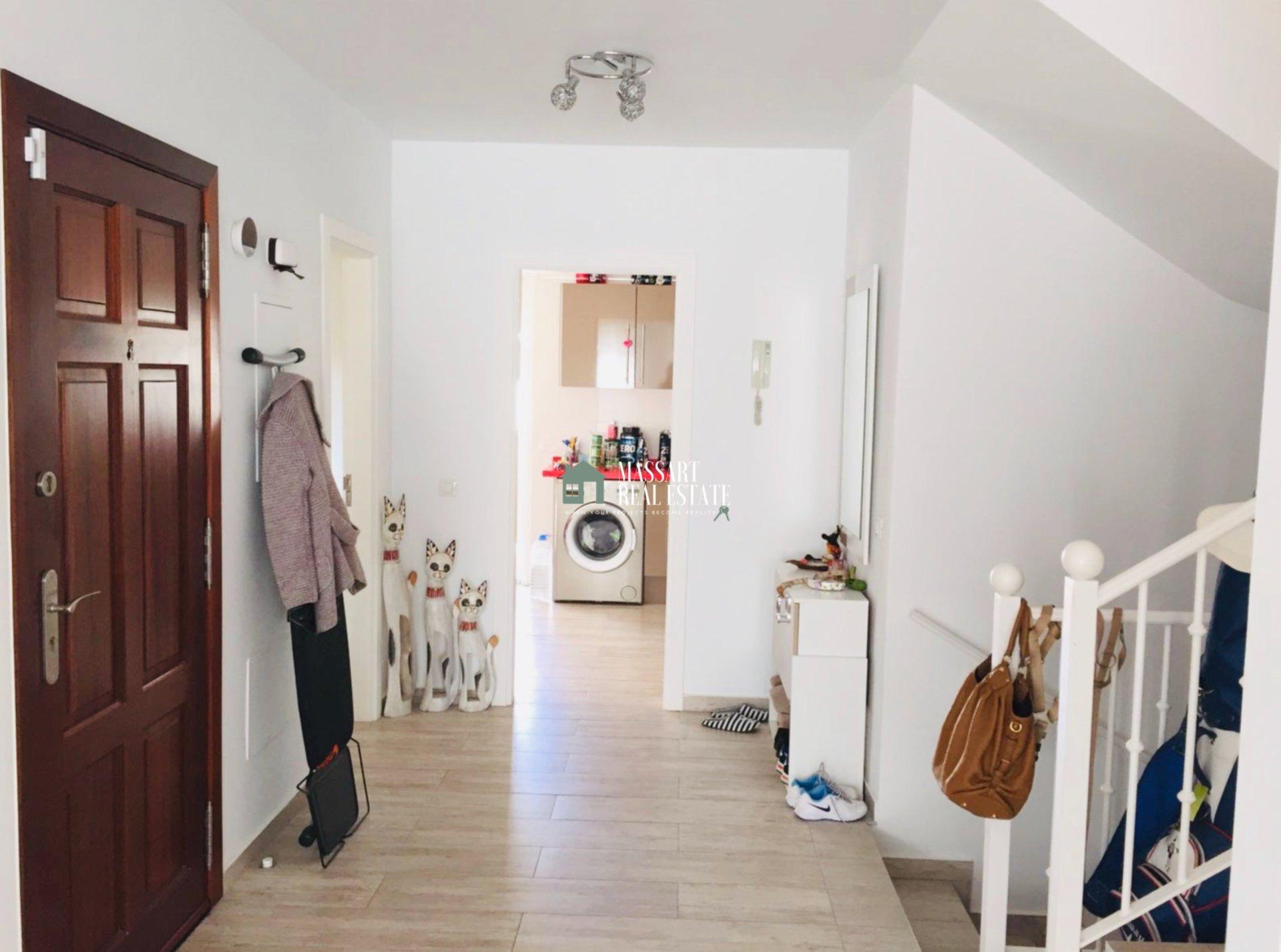Maison jumelée exclusive de 300 m2 située dans le prestigieux quartier d'El Madroñal (Costa Adeje).
