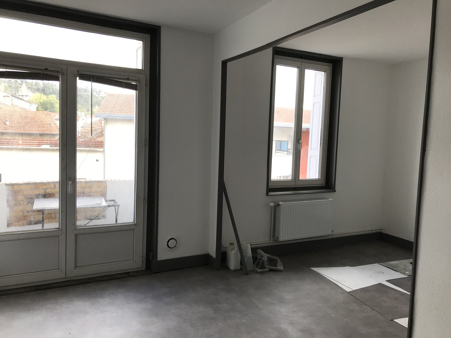 SAINT-JUST-SAINT-RAMBERT- Appartement T2 refait à neuf