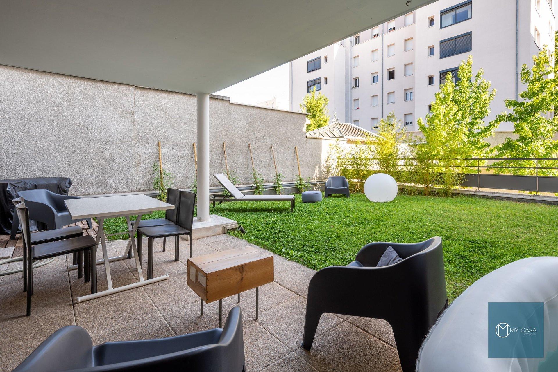 PART-DIEU - T3 en Rez de jardin et garage