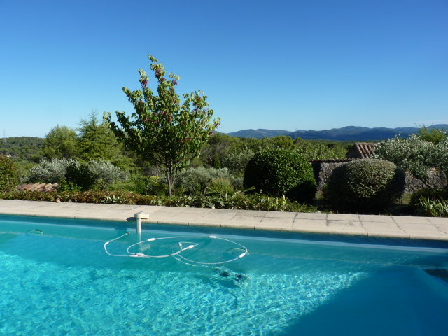Provençale country house with stunning view