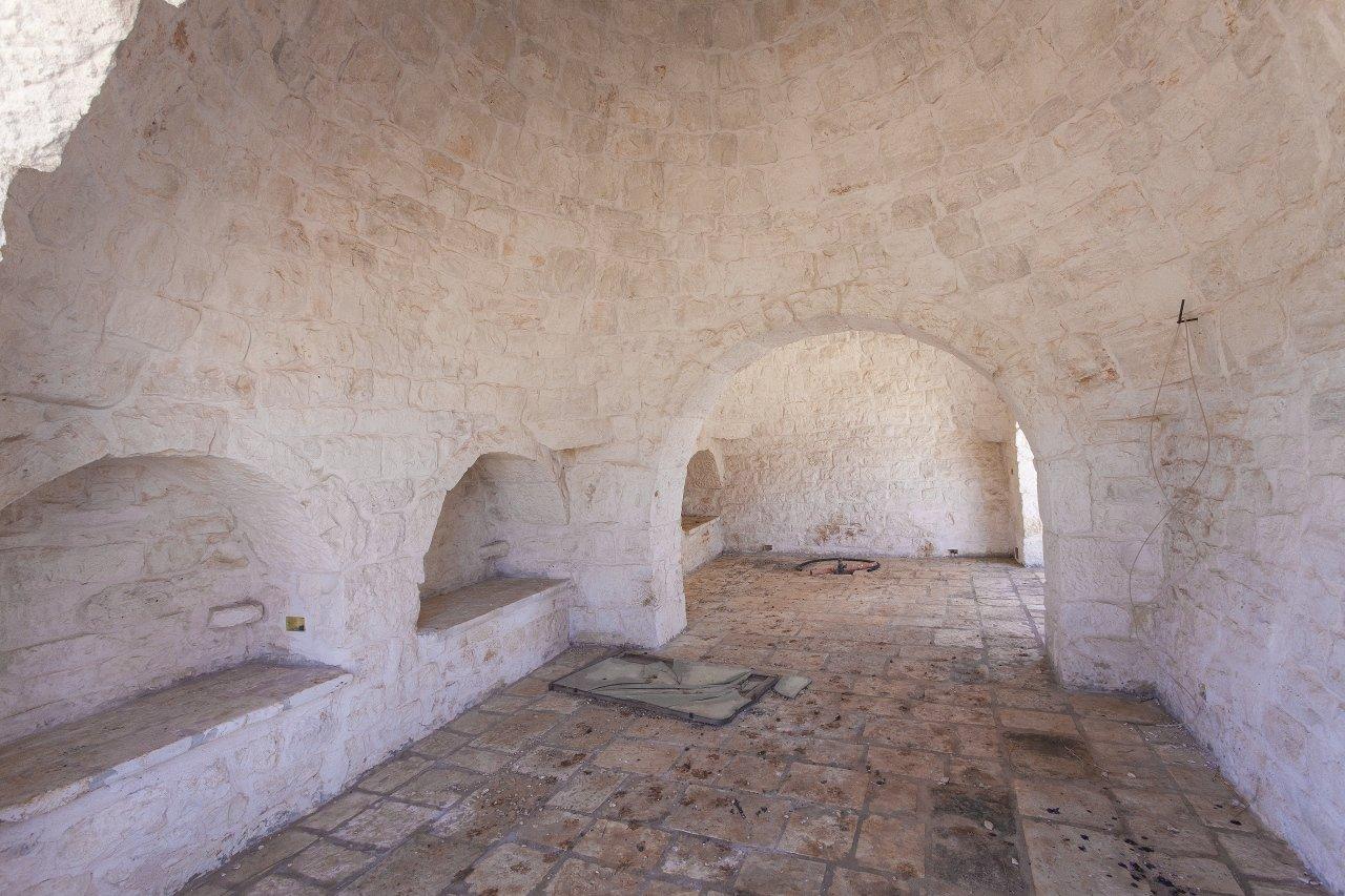 Masseria a Ceglie Messapica parzialmente ristrutturata