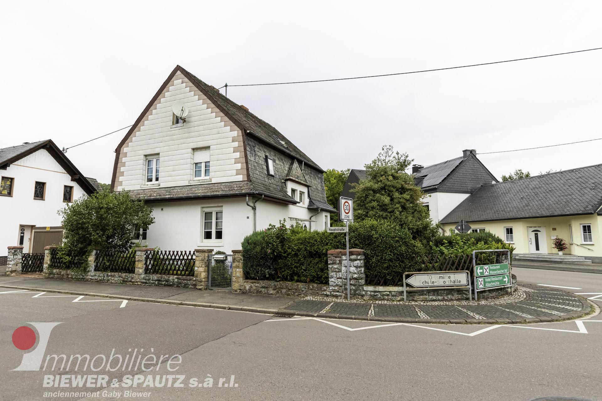 ZU VERKAUFEN - Haus mit 4 Schlafzimmern in Wasserliesch (D)