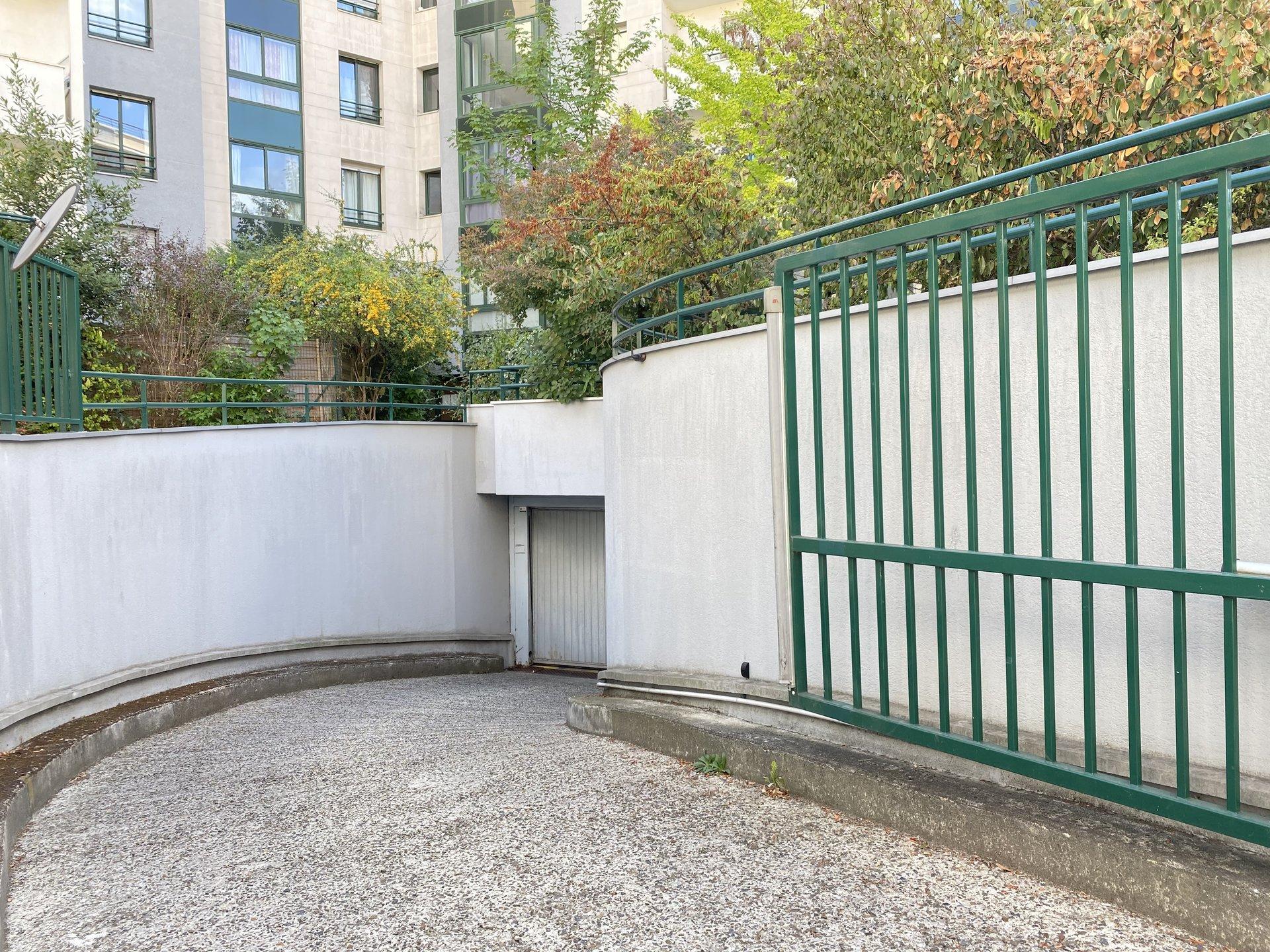 Asnières sur Seine, Calme/jardin proche métro