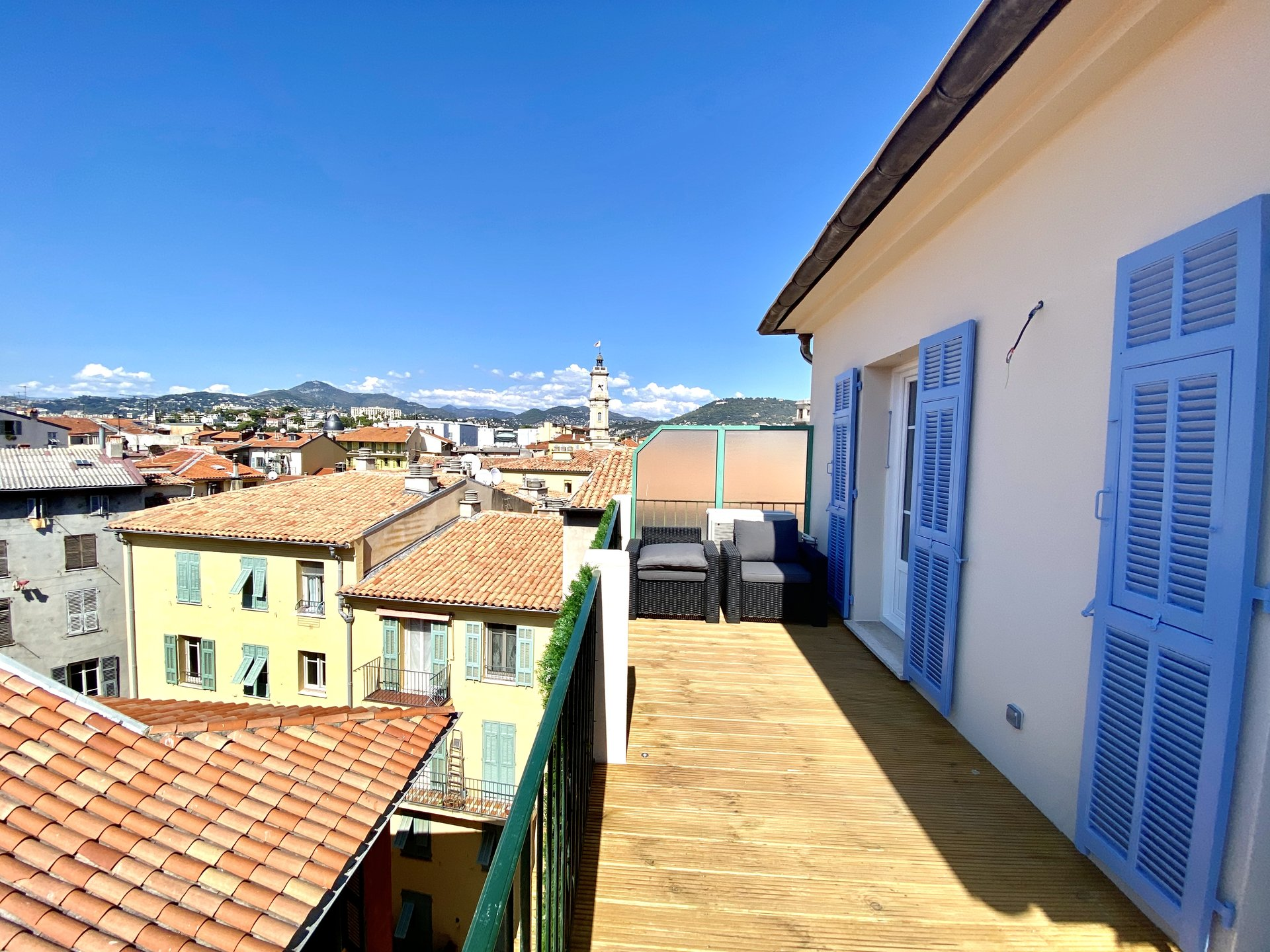 VIeux Nice - 2 Bedrooms apartment with terrace.
