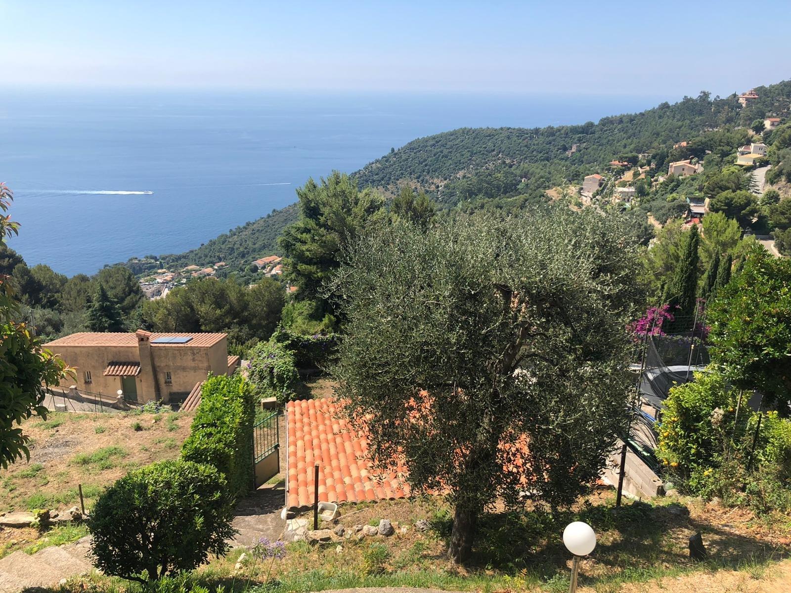 villa Eze Village A rénover - 990 000€