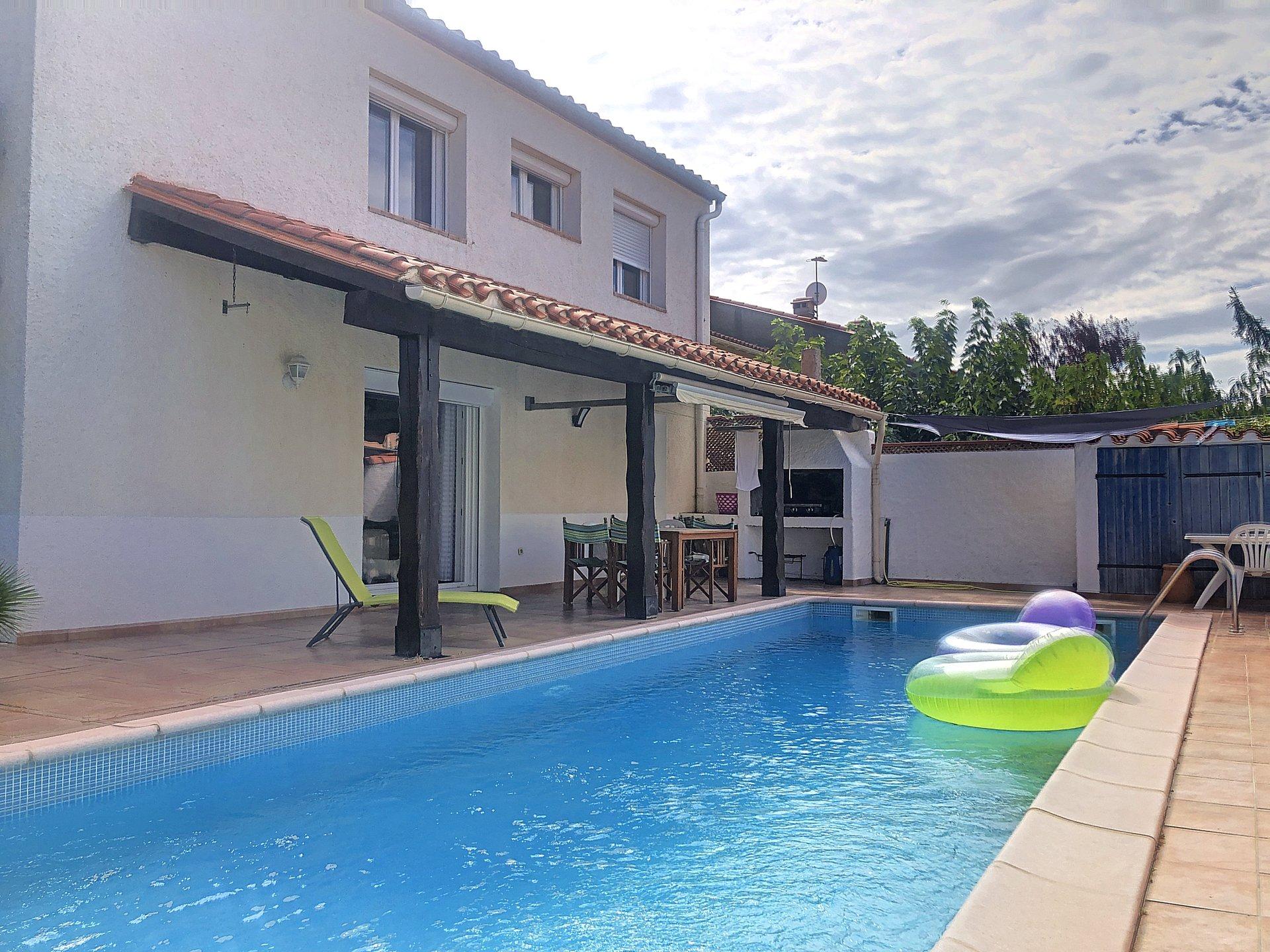 Canohès villa 3 faces sur 480m2 de terrain t5 garage