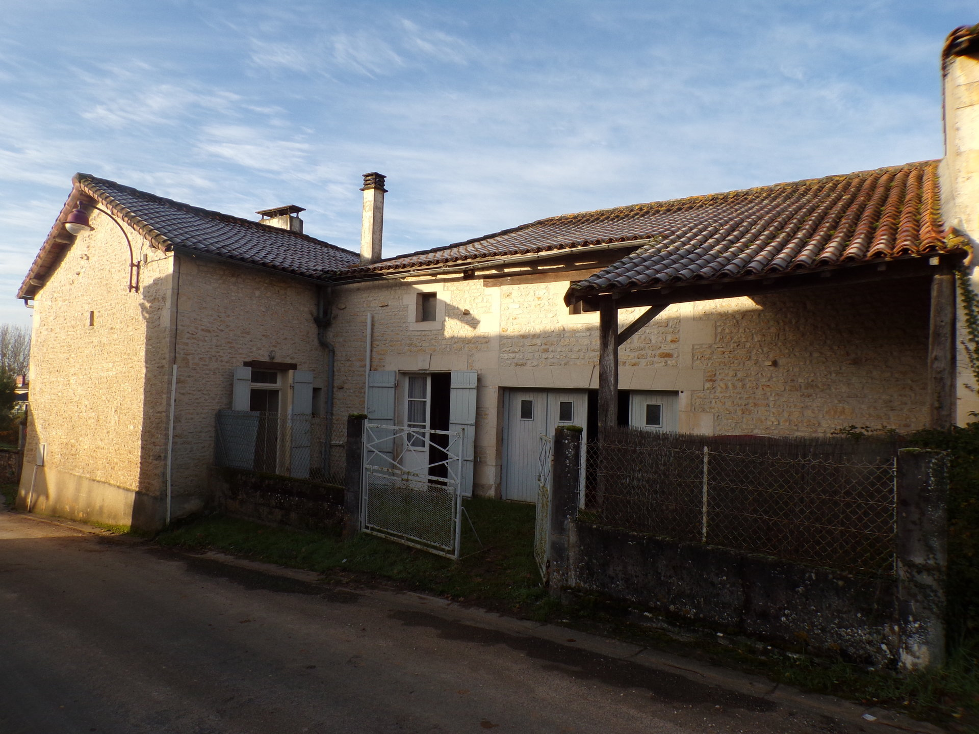 Property complex close to Ruffec