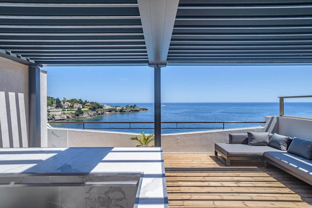 Magnificent and rare penthouse for sale - Cap d'Ail