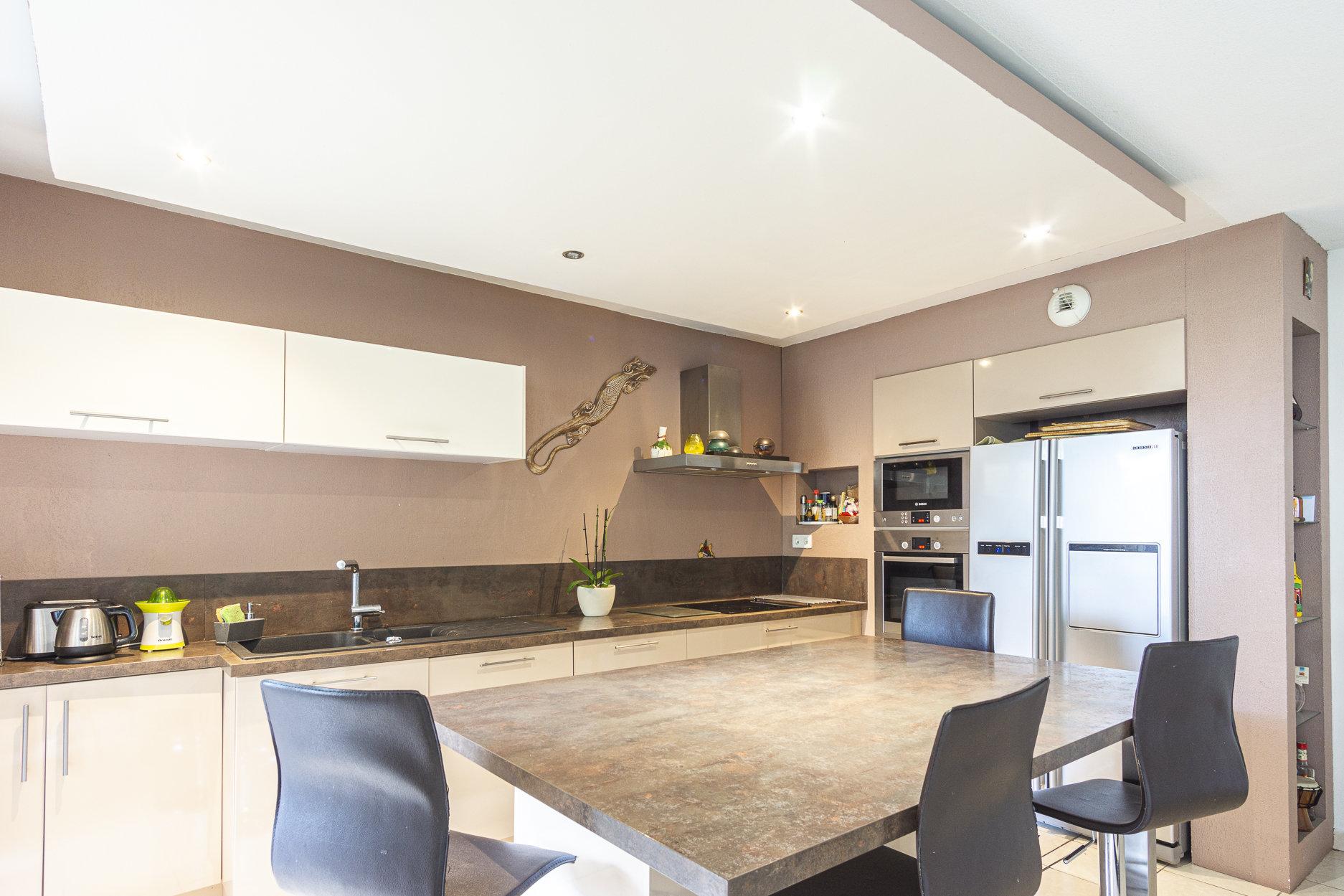 Kitchen bar, stainless steel