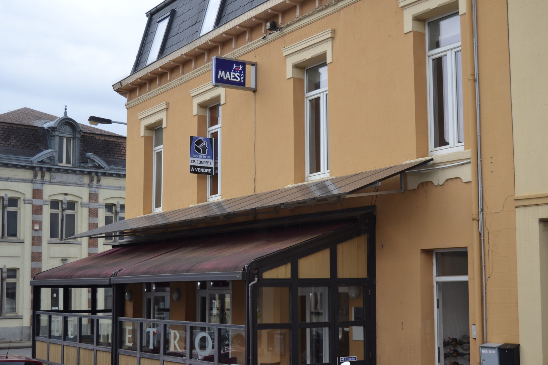 +++SOUS-OFFRE+++Immeuble mixte avec un local commercial et deux appartements