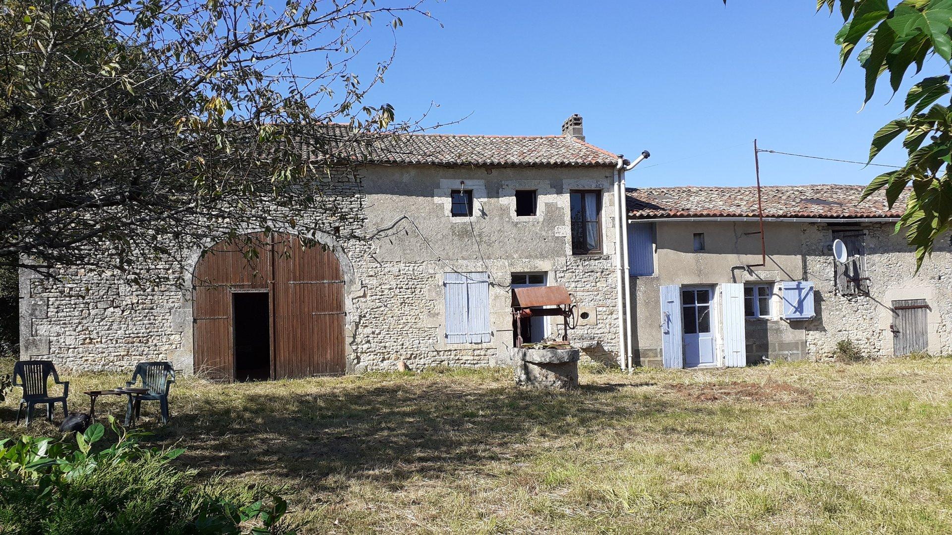 Farmhouse to renovate near Ruffec