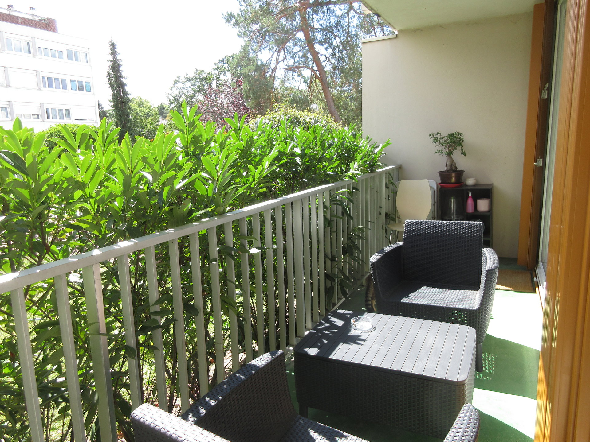 Chatou en limite du Vésinet, 3 pièces au calme avec balcons.