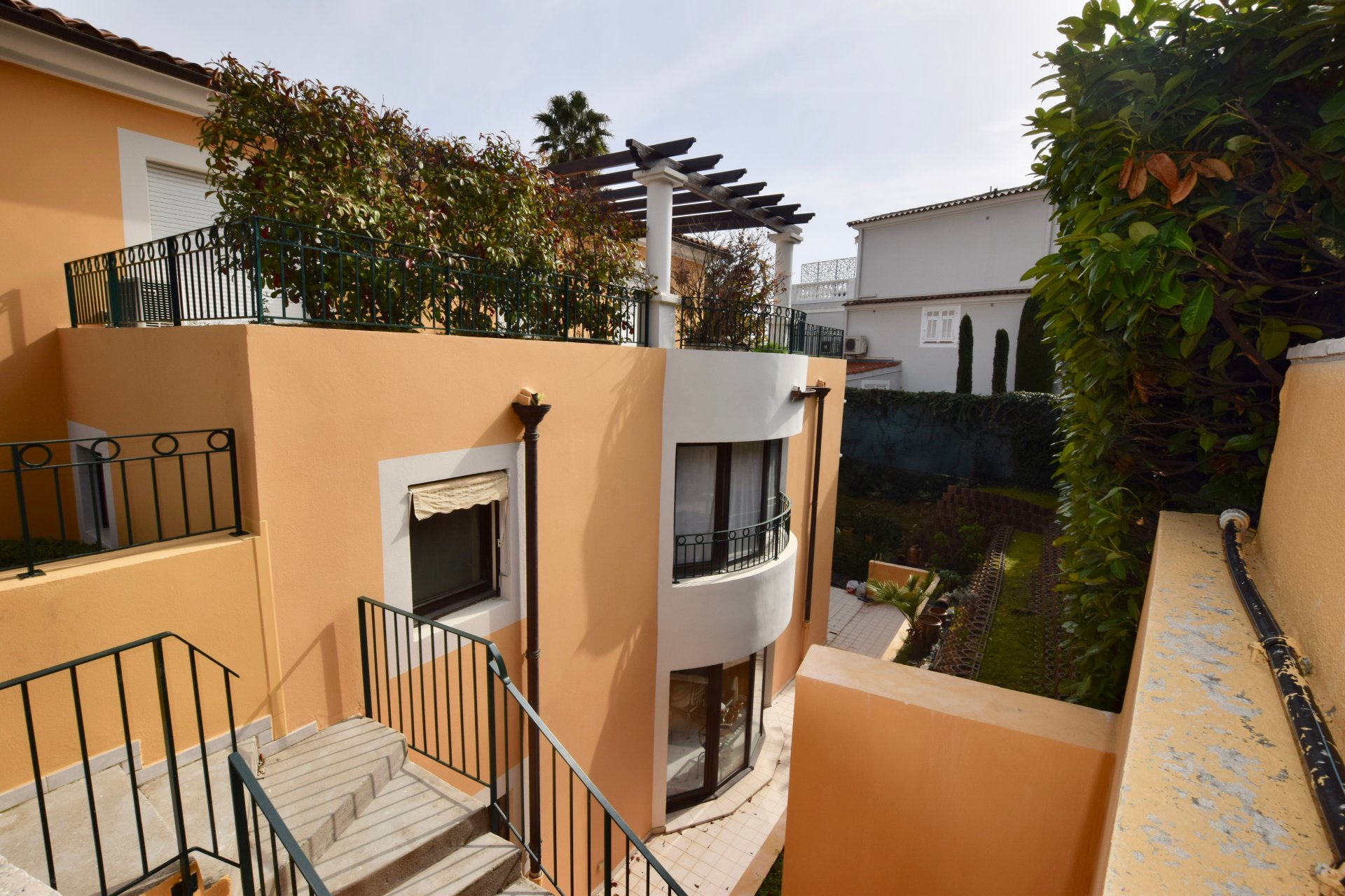 Bel appartement 2 piece a St Jean Cap Ferrat avec grand jardin