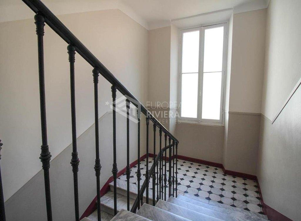 Great 4-room flat Le Port Nice
