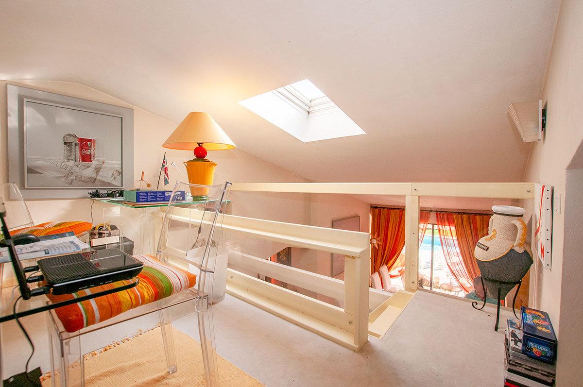 For sale Opio - single storey 6 beds plus studio