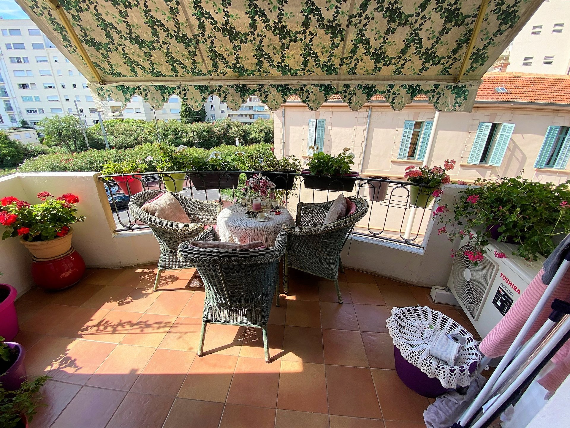 CANNES FOR SALE 2 ROOMS NEAR BEACH AND CENTRE