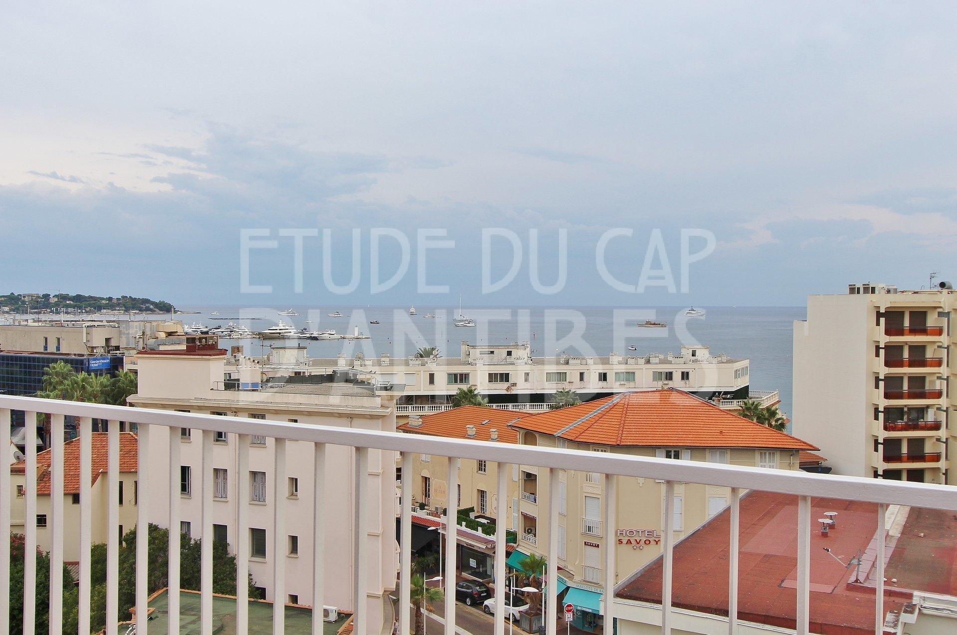 Жуан ле Пен Центр - Панорамный вид на море