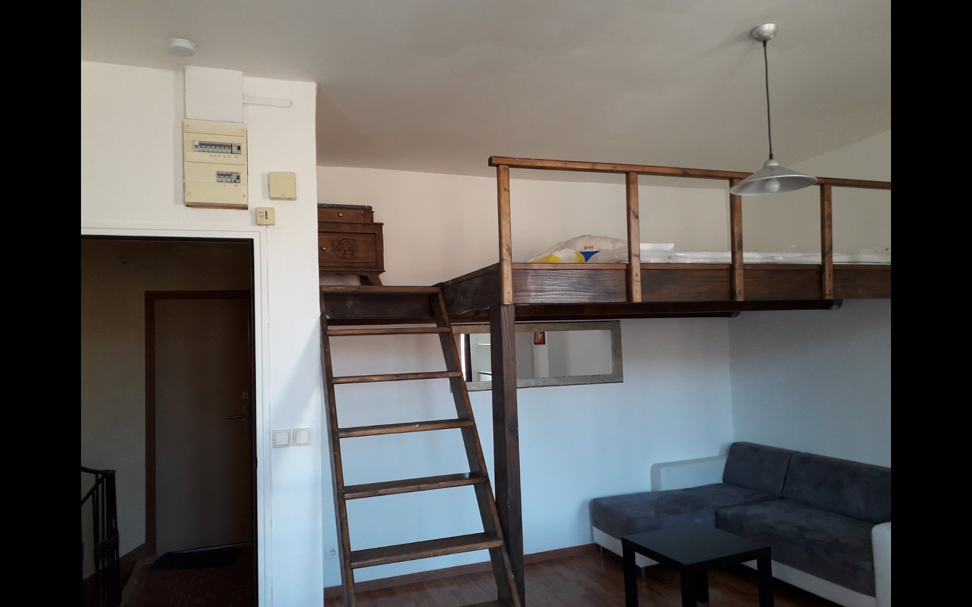 APPARTEMENT TYPE 1 MEUBLE
