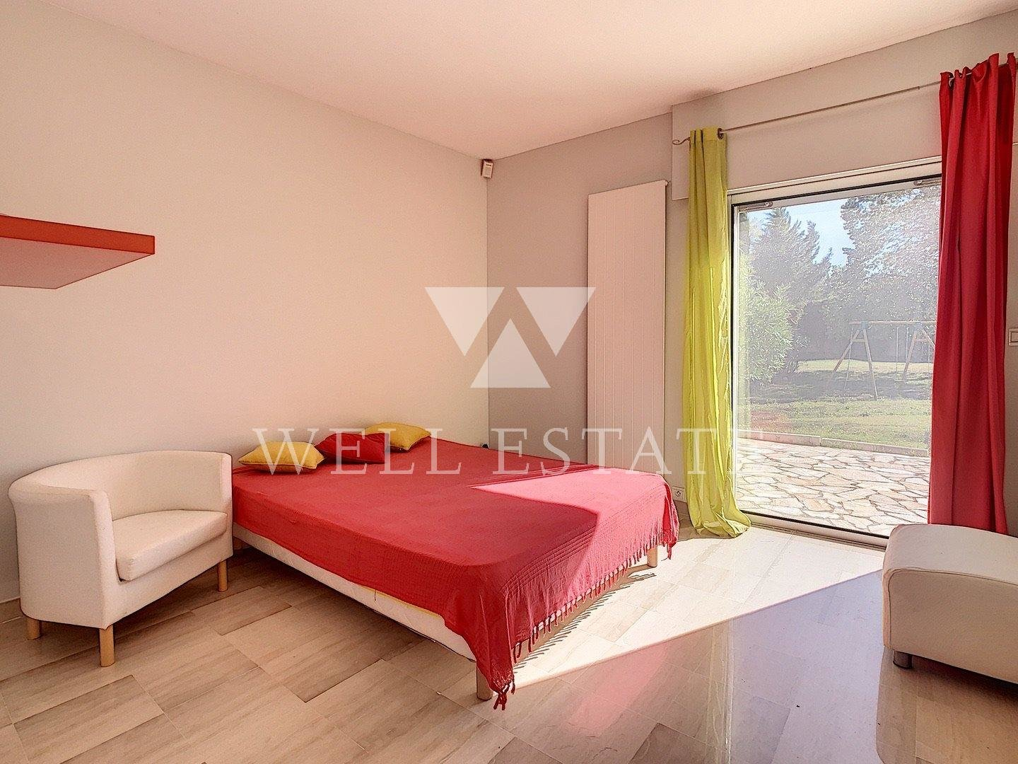 SPACIOUS VILLA WITH FLAT GARDEN OF 5700 SQM
