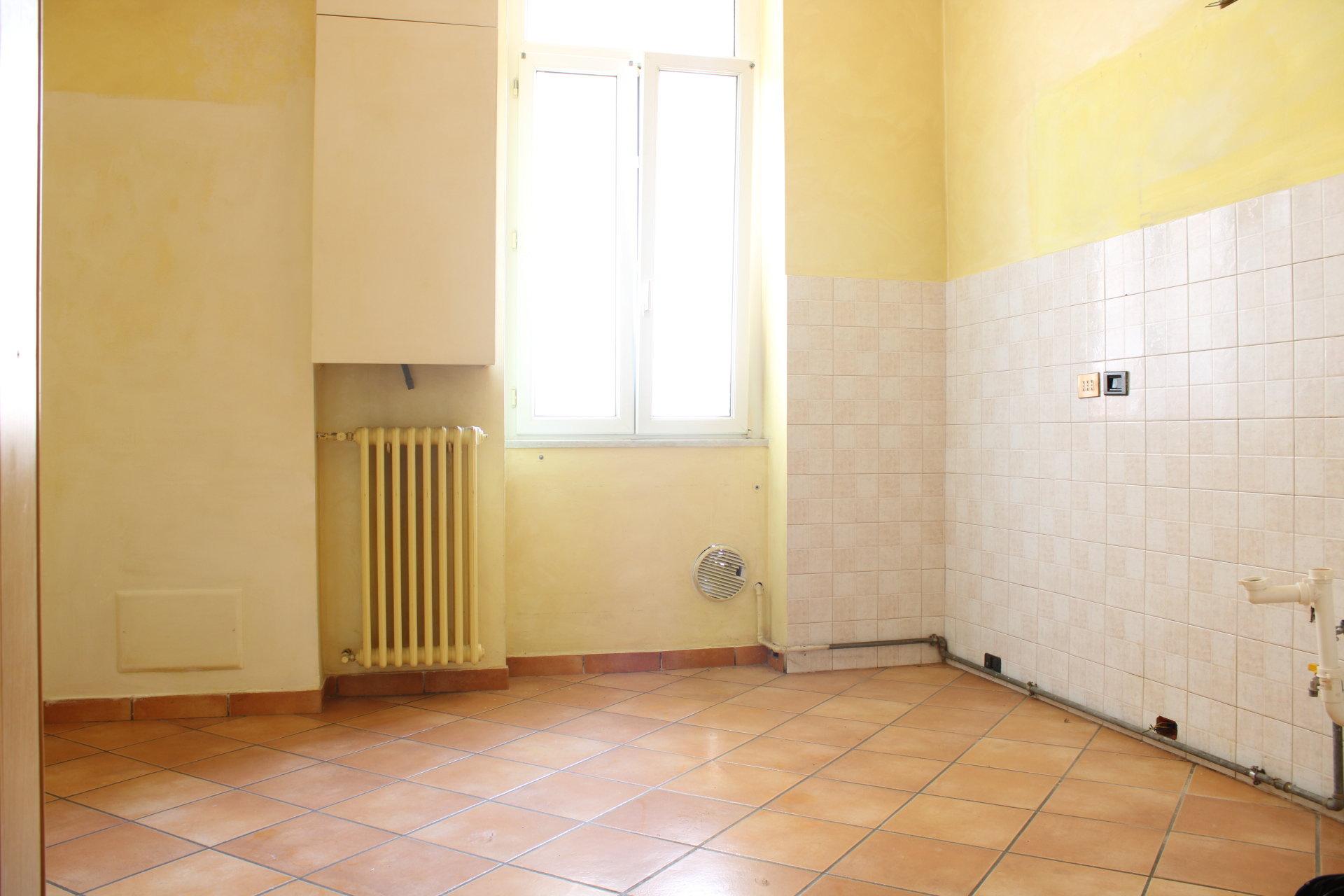 trilocale termoautonomo in ottime condizioni a Cantù centro