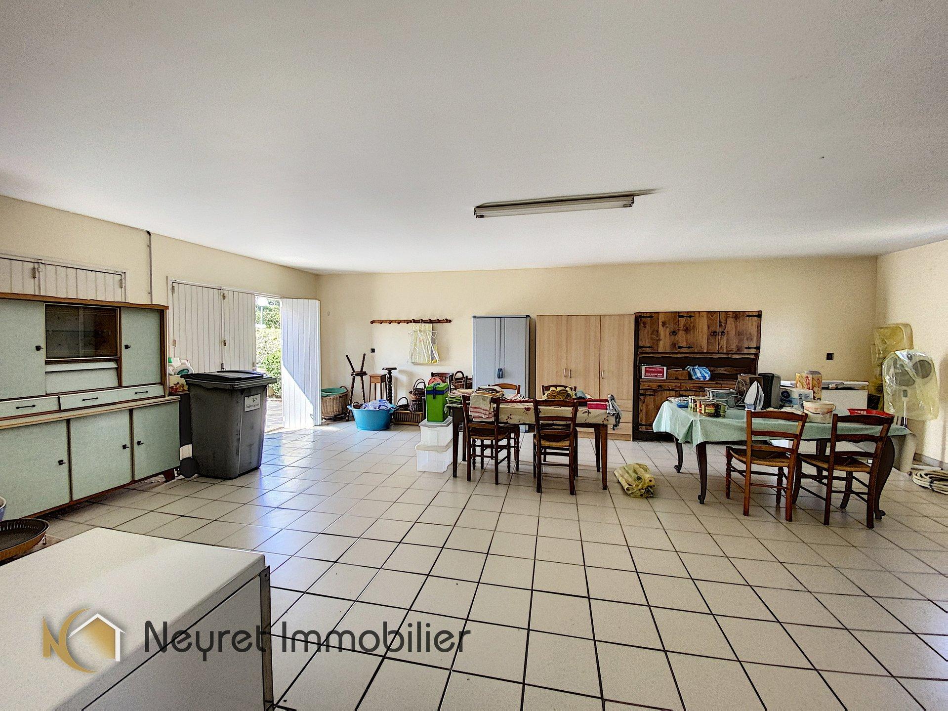 Villa récente, Saint Joseph le bas, 909 m² de terrain plat !