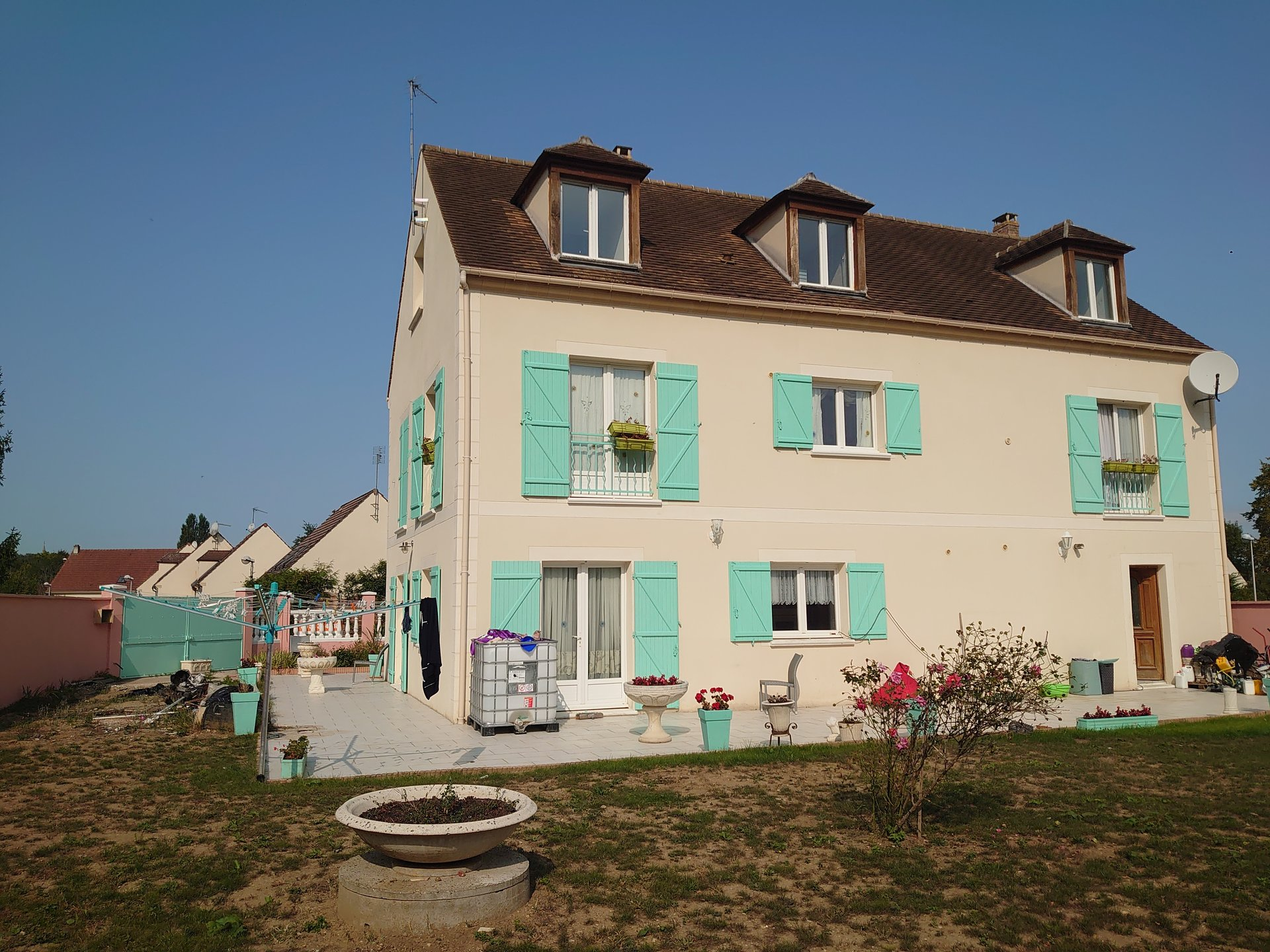 Une grande maison à Verneuil en Halatte sur un terrain de 610m²