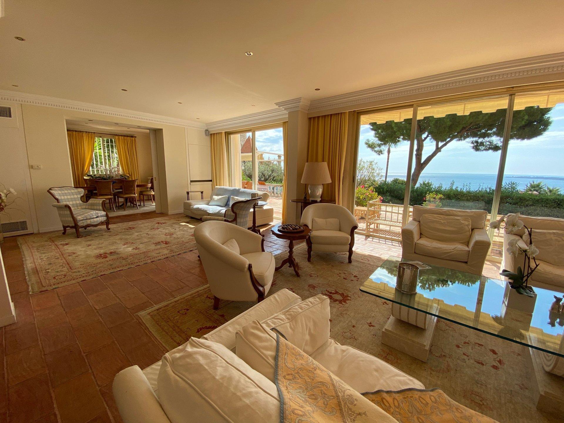 Cannes -villa Californienne dans un préstigieux domaine fermé