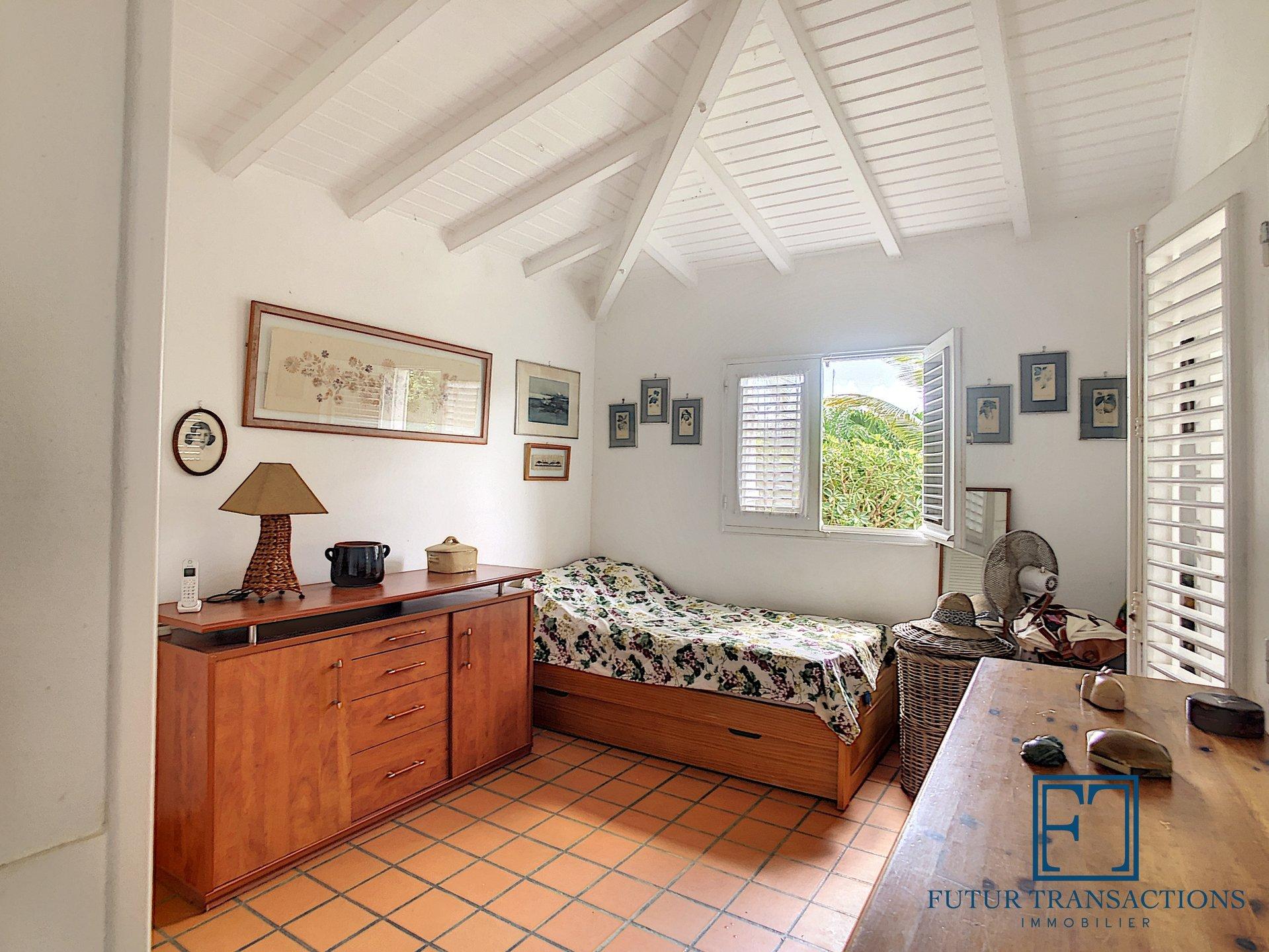 Villa T4 + bungalow quartier recherché