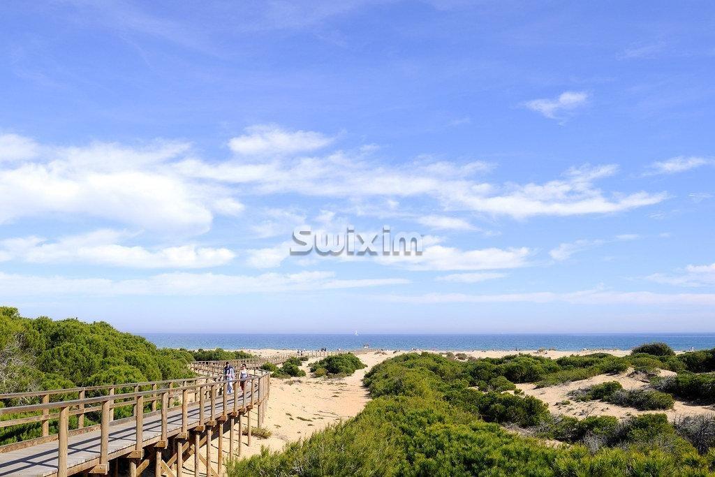 Une vue panoramique sur la mer